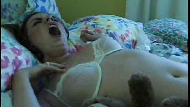 Porno sin registro  Angelical adolescente videos pornos latinos amateurs peachy masturbándose hendidura
