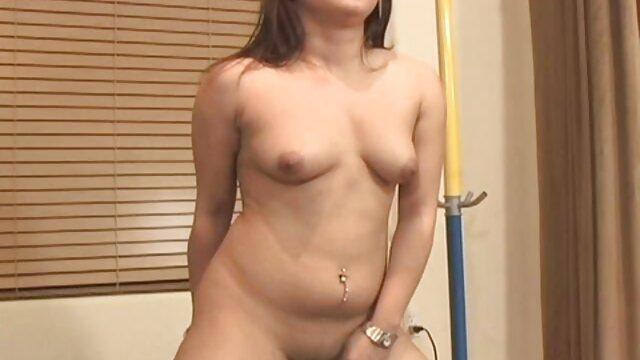 Porno sin registro  Chica se quita un consolador anal y lo porbo amateur latino usa afuera