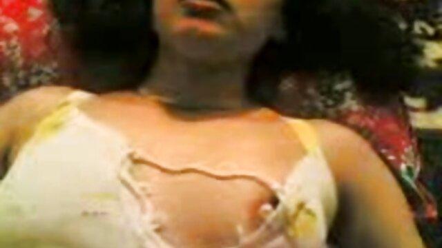 Porno sin registro  Chico atado es masturbado por amateur latino xxx una chica dominante