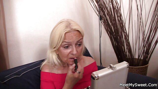 Porno sin registro  MILF alemana dando la cabeza amateur sexo latino