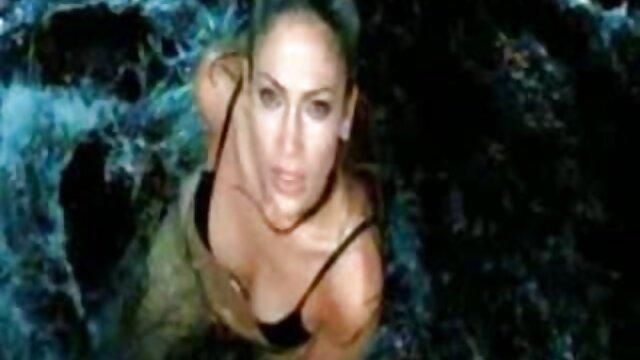 Adulto sin registro  Tío video amateur latino graba su aventura con MILF infiel