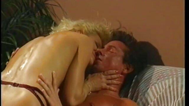 Porno sin registro  Perra se acostumbra - porno mateur latino mamada, bofetadas ligeras y paja