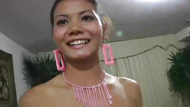 Porno sin registro  Rubia milf recibe un bonito creampie porno smateur latino anal