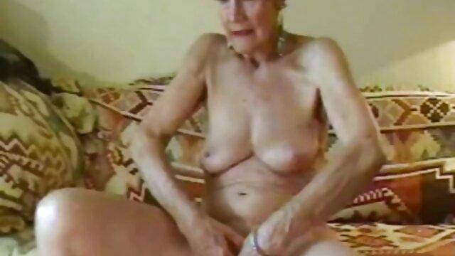Porno sin registro  CFNM pprno amateur latino femdom zorras se turnan para masturbarse
