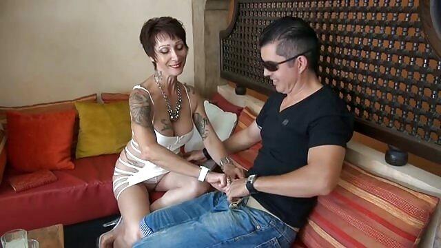 Porno sin registro  puta sexo amateur latino delgada tiene gangbang anal + creampie
