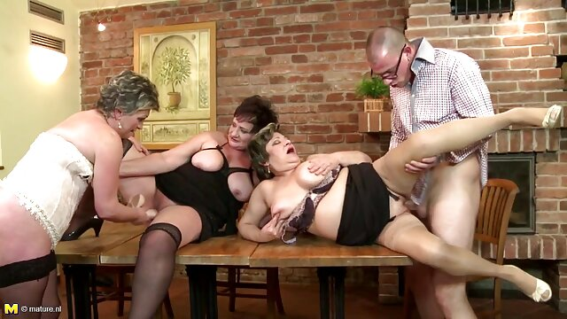Porno sin registro  Concursos divertidos pornoamateurlatino en 2014 Nudes-a-Poppin