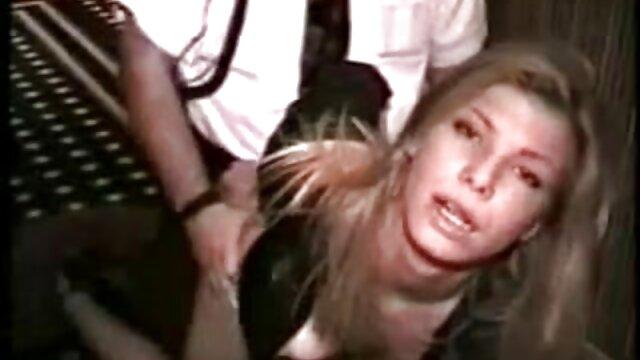 Porno sin registro  Ema video amateur latino Kisaki recibe una follada anal asiática en un trío