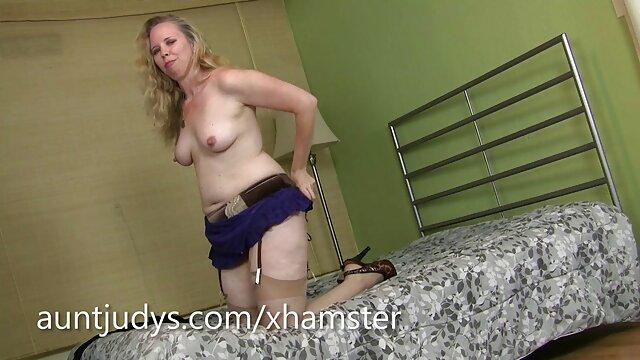 Porno sin registro  Krys Foxy amatuer latino contra Charlie Mac