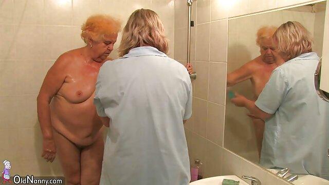 Porno sin registro  Ébano ariana en un porno latino amateir trío
