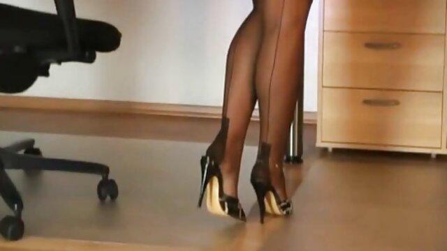 Porno sin registro  Esposa caliente gangbang con consolador: parte 1 latinoamateur