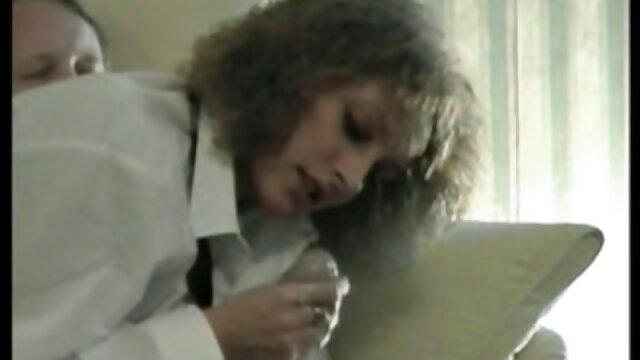 Porno sin registro  Pareja mexicana - Chica caliente fumando fragmentos de tetas pormo amateur latino colgando