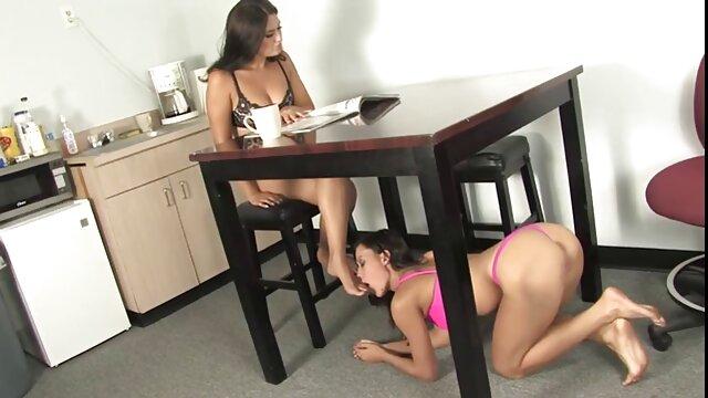 Porno sin registro  ella es dueña de sexo amateur latino su muñeca XL