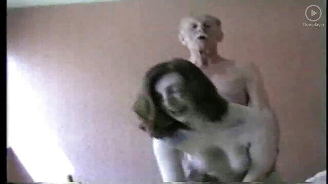 Porno sin registro  Putas maduras calientes son folladas por Sugar Daddy en una habitación videos porno amateur latinos privada del club