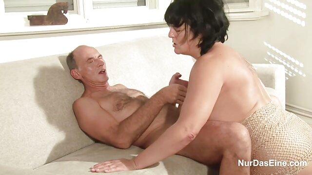 Porno sin registro  Madura zorra Liisa videos porno amateur latinos follada por lesbiana cachonda Shelly