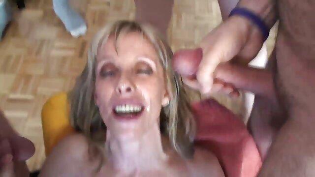 Porno sin registro  Sexy tan adolescente jugando con juguetes latino amateur porn en cam