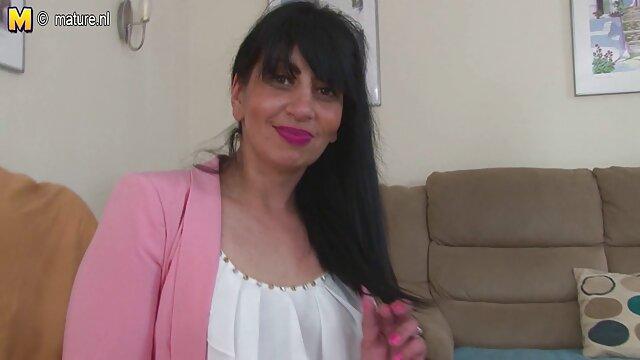 Porno sin registro  Rubia Bombshell MILF Chrissy Maxx videos xxx amateur latino